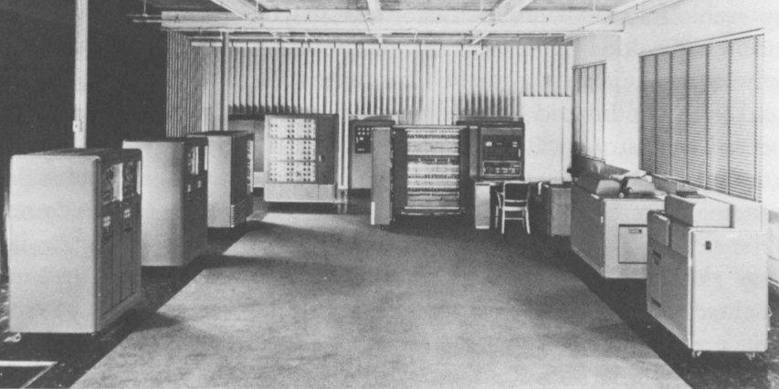 Photo of IBM 701