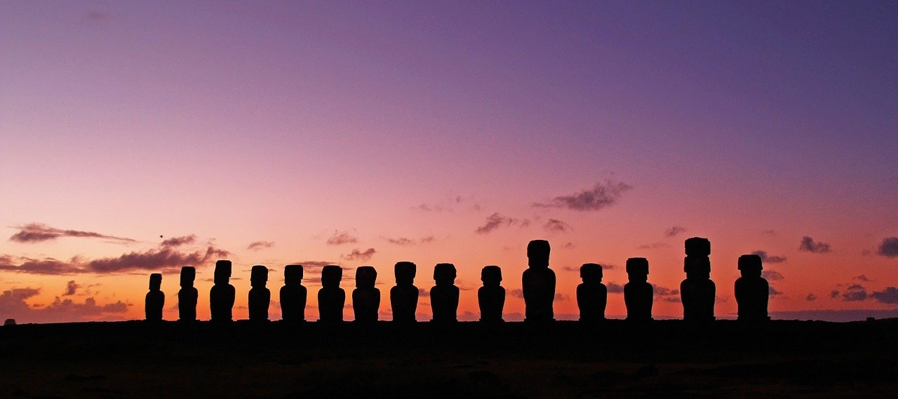 chile-easter_island_heads