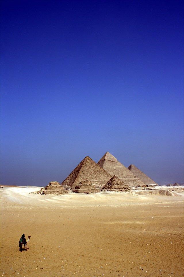 egypt-desert-pyramids