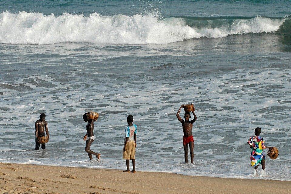 pic 4 beach people