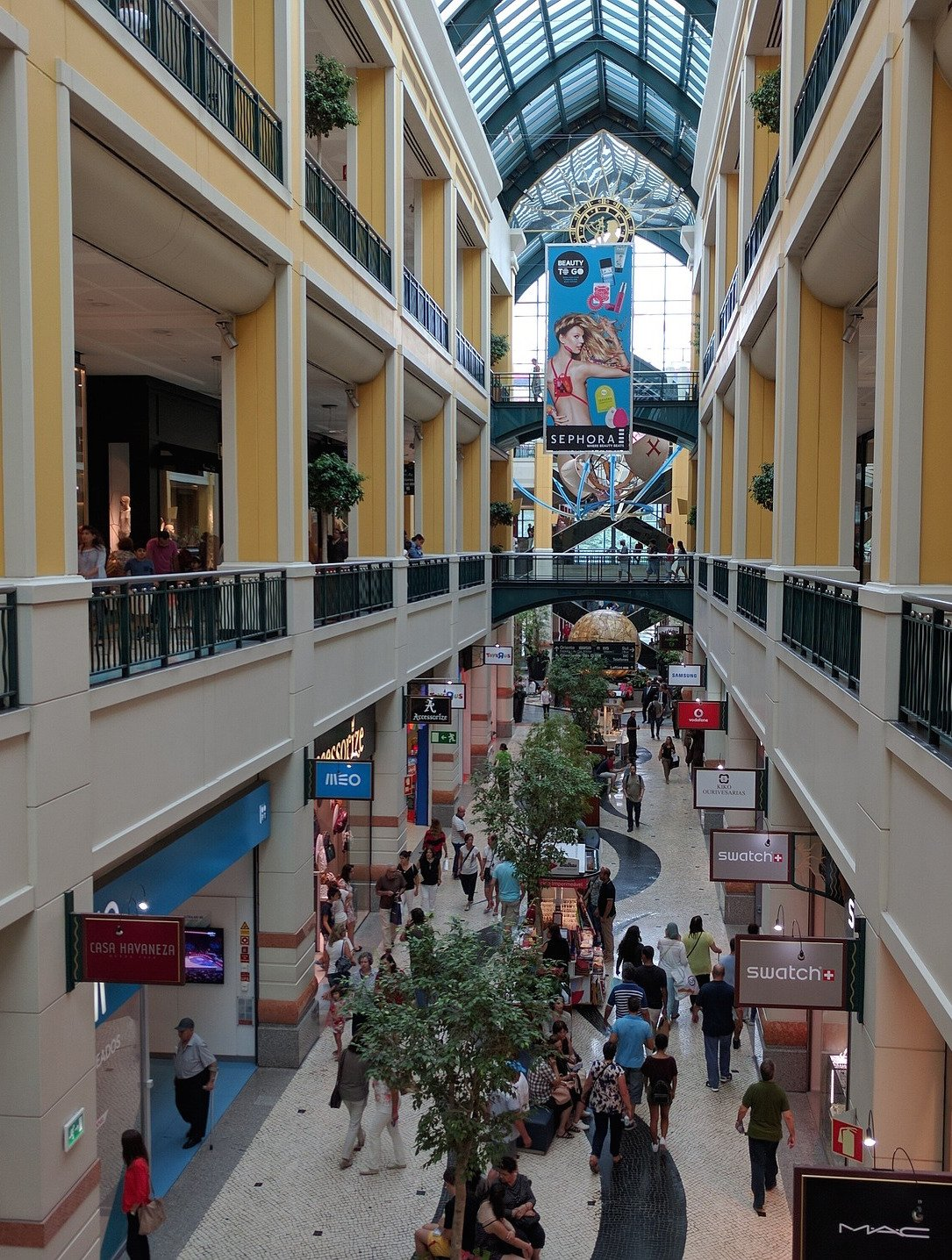 portugal-business-retail-mall